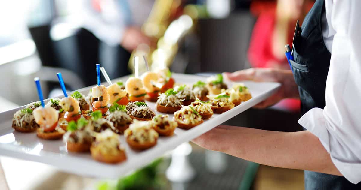 How Much Do I Tip The Caterer Tipping Etiquette 101
